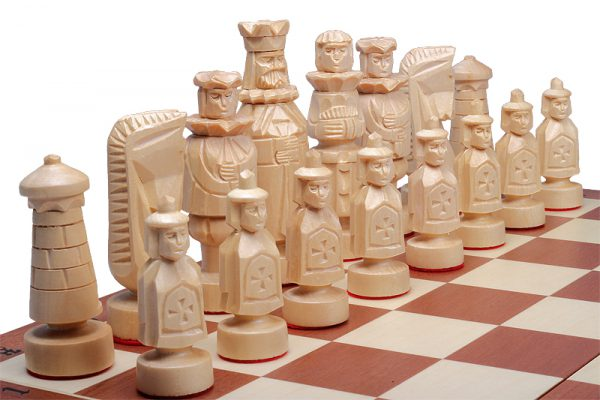 spanish chess set wooden