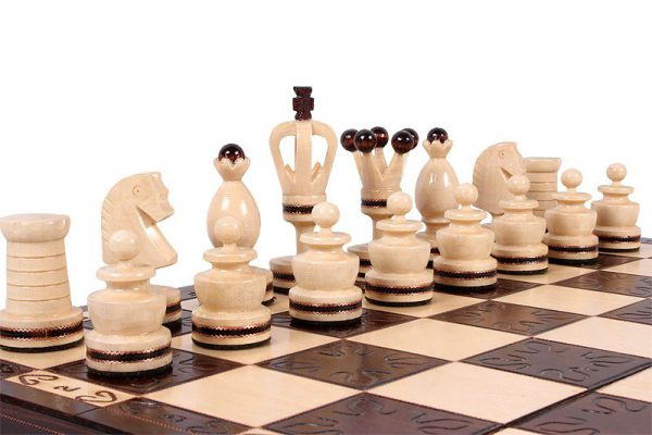19 inch gothic chess set