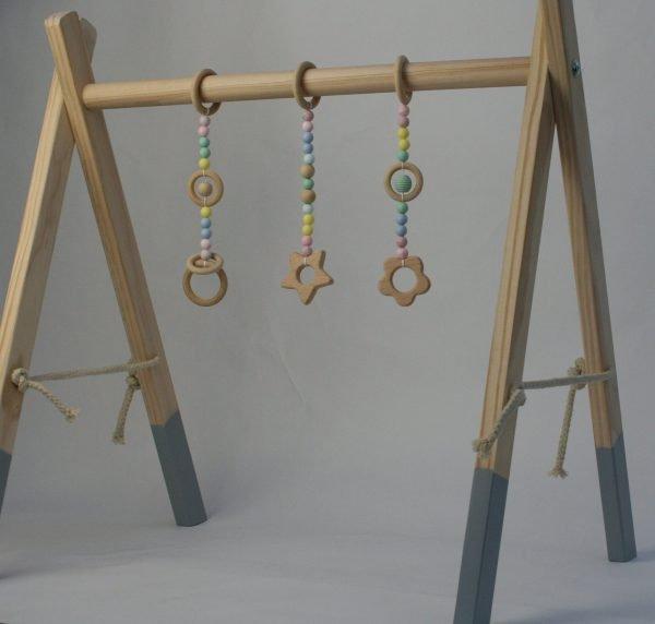 baby toys hanging