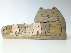 Wooden Mother Cat with Kittens