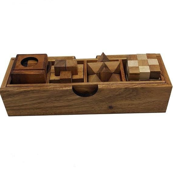 4 Wooden puzzles in 1