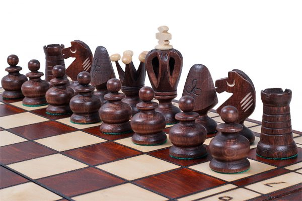 19 inch royal chess set