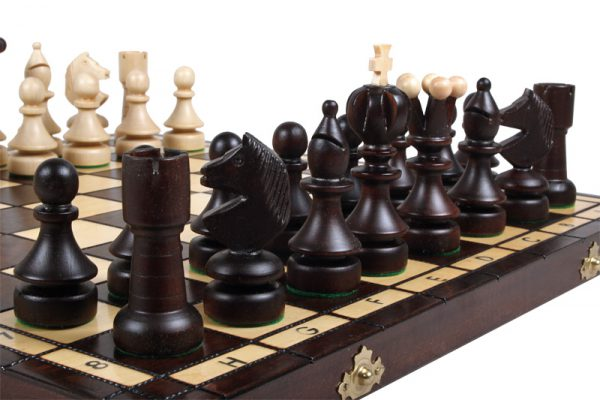 wooden chess pearl
