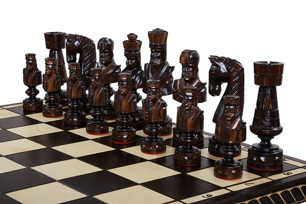 cesar wooden chess set