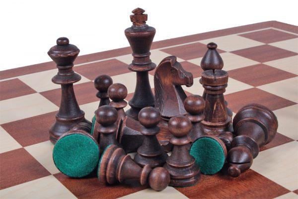 chessmen staunton in box