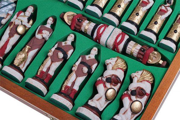 wooden spartacus chess set