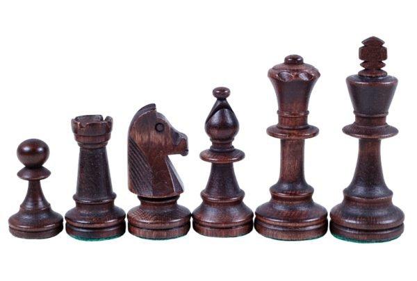 brown staunton chess pieces