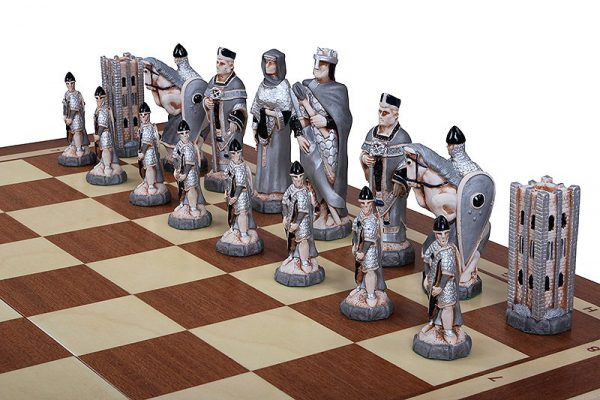 23 inch england chess