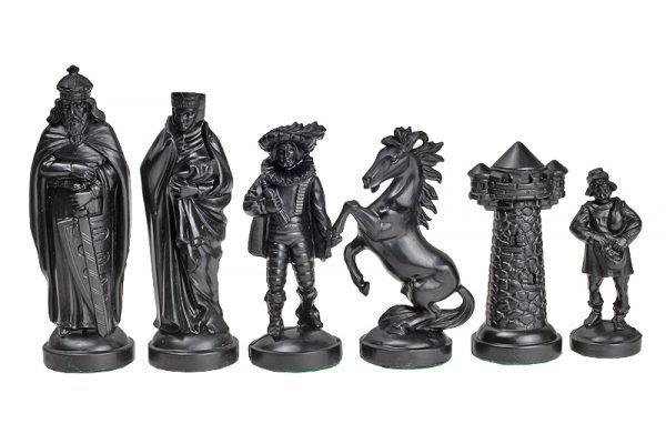 chess pieces black
