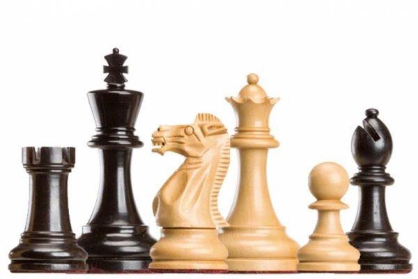 judit poglar chess pieces